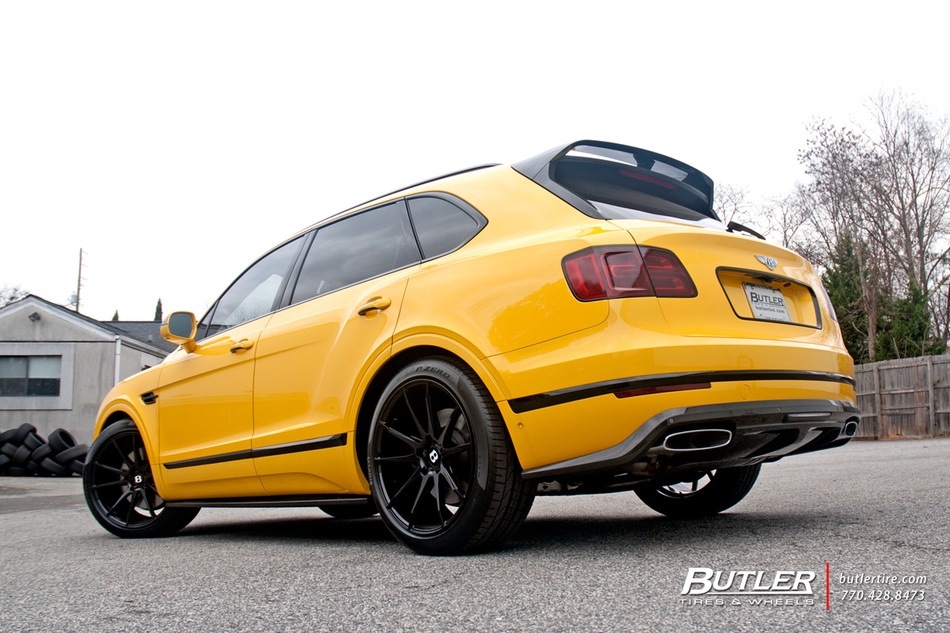 Bentley Bentayga With 22in Savini Bm12 Wheels And Pirelli Tires 17