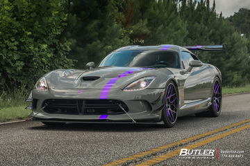 Dodge Viper Stryker ACR Extreme with 21in Avant Garde F510 Wheels